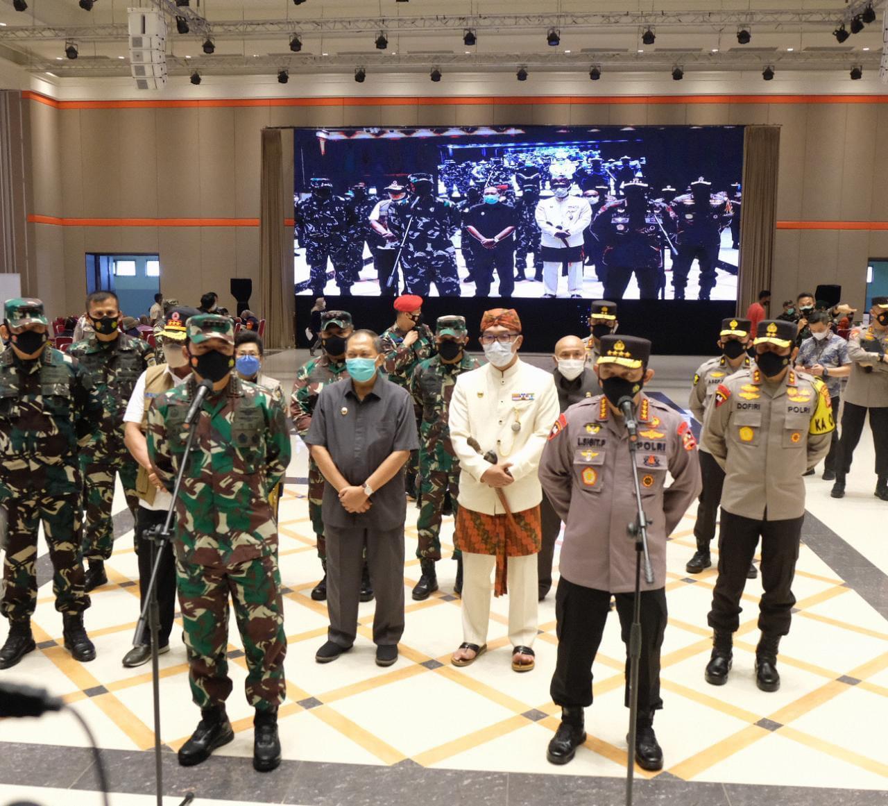 Panglima TNI dan Kapolri Minta Warga Tetap Disiplin Prokes