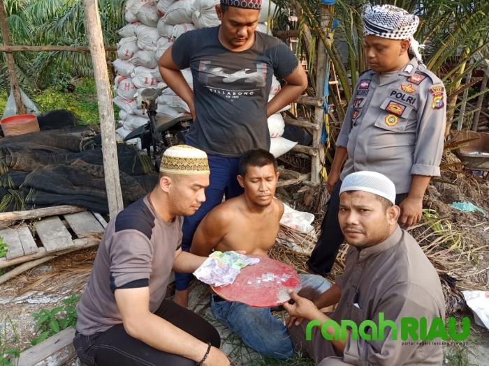 Sedang Melaksanakan Taklim, 6 Anggota Polisi Program Riau Gemilang Tangkap Pengedar Shabu