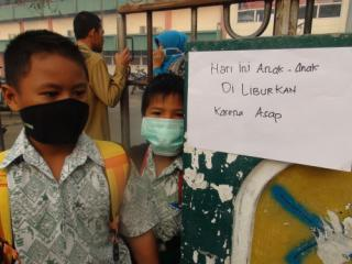 Kabut Asap Makin Parah, Sejumlah Daerah Meliburkan Sekolahnya