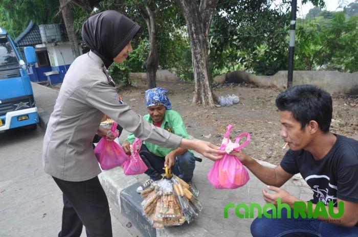 Program jumat barokah, Polda Banten terus berbagi kepada masyarakat