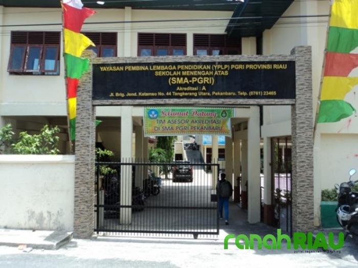 SMA PGRI Pekanbaru Gratiskan pendaftaran dan seragam Sekolah