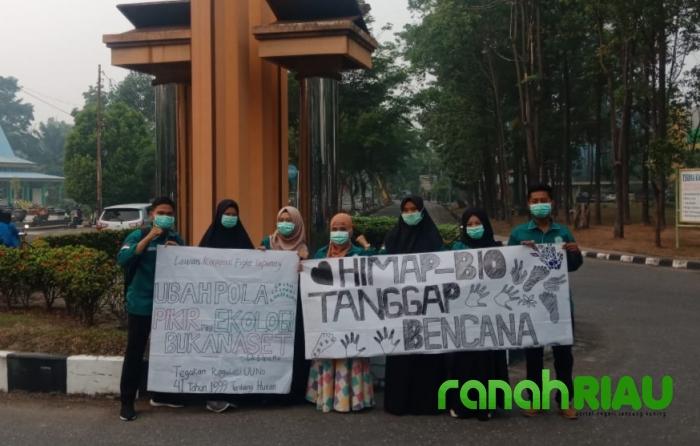 Aksi Konkret Himapbio UIR dalam Upaya penanganan kabut Asap