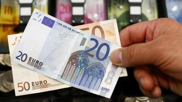 ECB Diprediksi Semakin Dovish, Euro Batal Menguat