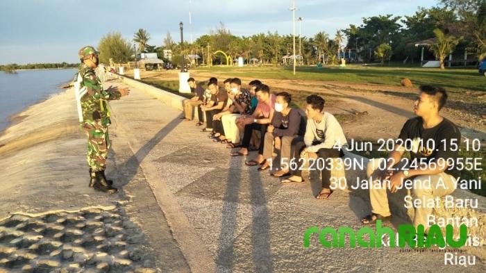 Tim Gabungan Laksanakan Penerapan Disiplin ke Remaja di Kecamatan Bantan