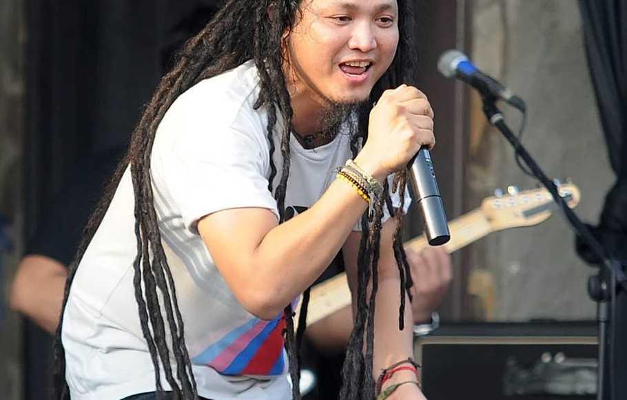 Selamat Jalan Tepenk vocalist Steven and The Coconut Treez