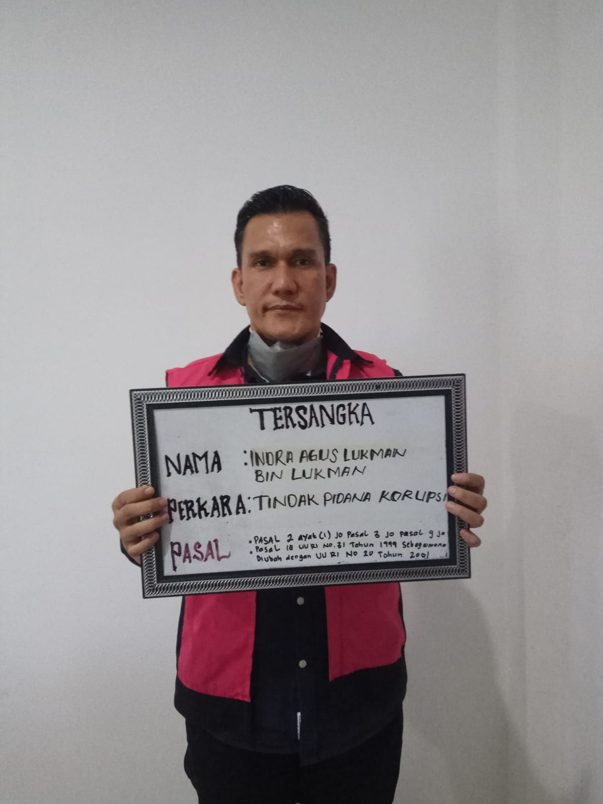 Ditetapkan Tersangka, Kadis ESDM Provinsi Riau Resmi Ditahan