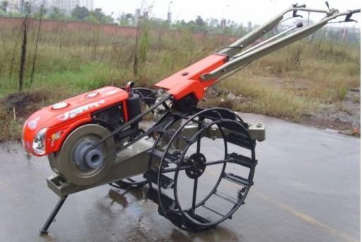 Kelompok Petani Inhu Dapat 10 Hand Tractor