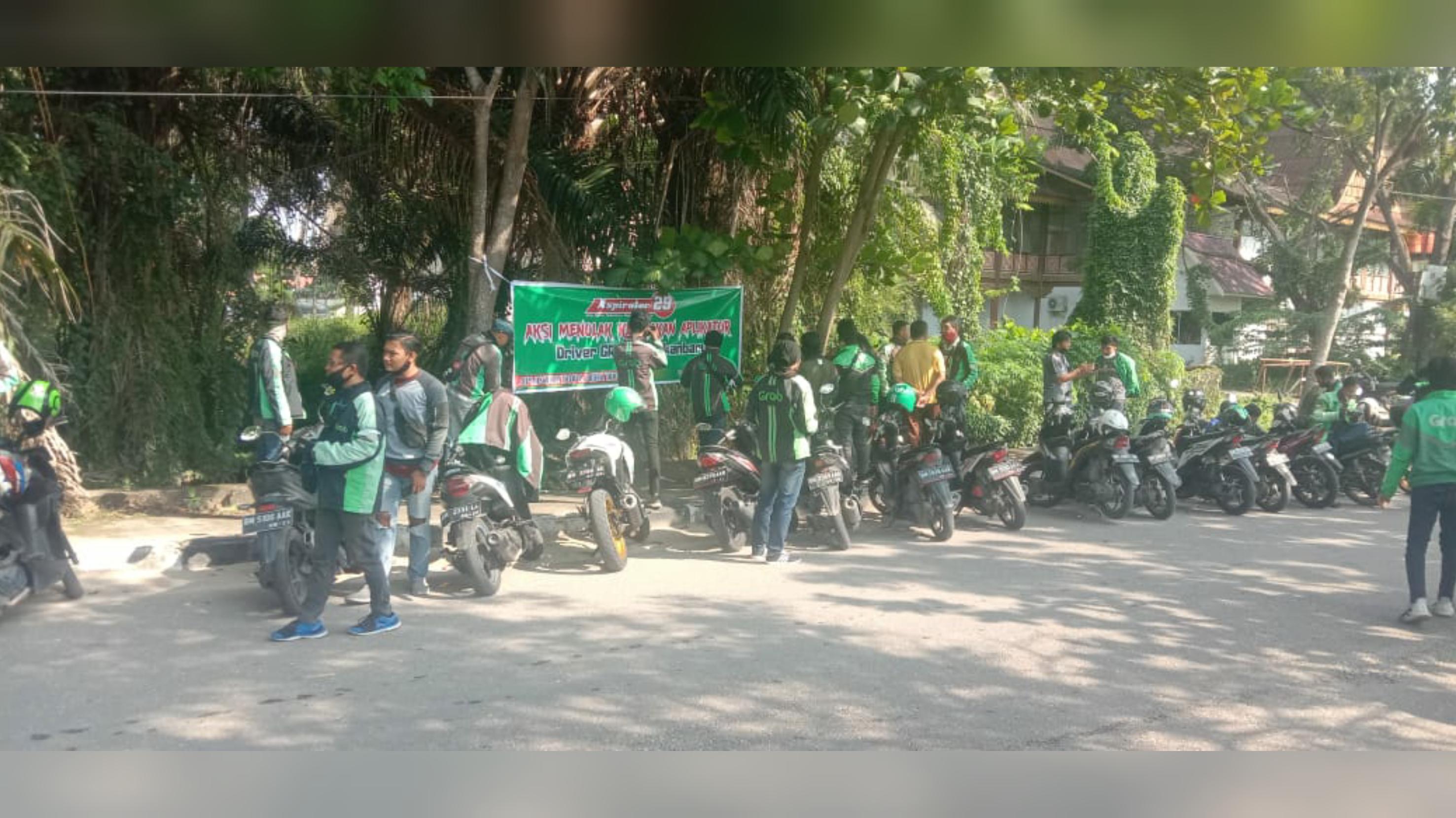 Gara-gara Tuyul, Ratusan Driver Ojol Lakukan Aksi Protes