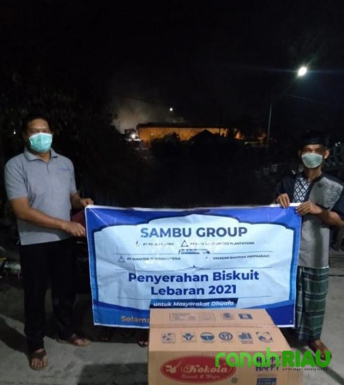 Keren! Sambu Group Distribusikan Ribuan Biskuit ke Warga di Pulau Burung