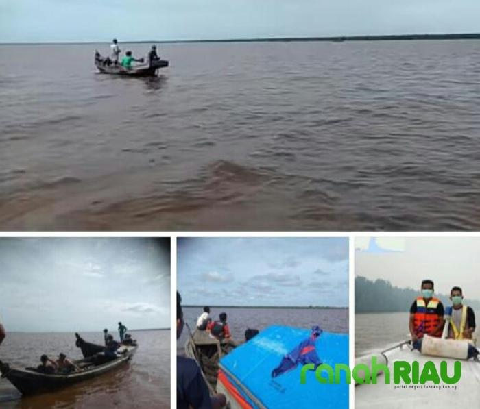 Kapal Kayu Pembawa 700.Kg Buah Kelapa di Perairan Inhil Tenggelam