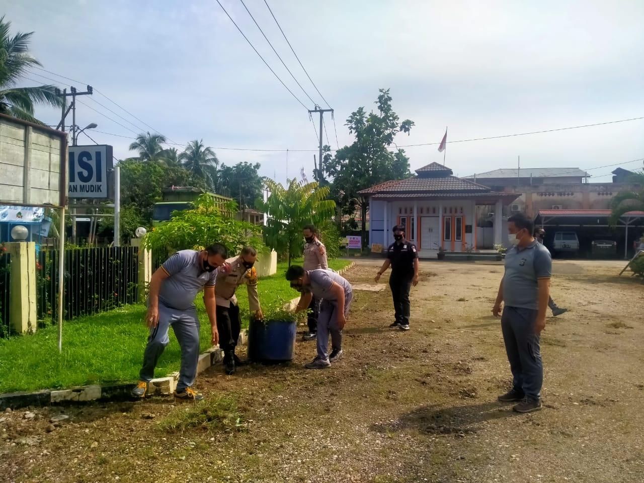 Kapolsek Kuantan Mudik Utamakan Lingkungan Bersih Menjelang Ramadhan