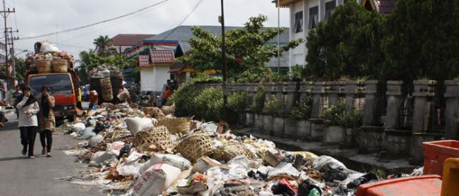 Sembilan Anggota DPRD Riau Dapil Pekanbaru Sesalkan Persoalan Sampah Kota