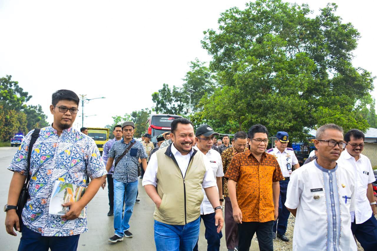 Bupati Kampar Dampingi Komisi V DPR RI Tinjau Pembangunan Tol Pekanbaru - Bangkinang
