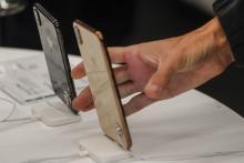 Tiga Ponsel Baru Iphone Lebih Sepi Peminat