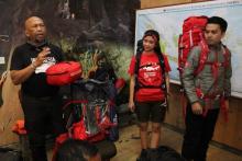 Peringati Sumpah Pemuda, Eiger Jelajahi 28 Gunung