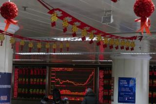 Kegiatan ekonomi di China perlahan kembali berjalan