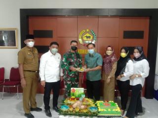Hari Jadi TNI ke-76, Ketua DPRD Inhil dan Wakil Kunjungi Markas Kodim 0314