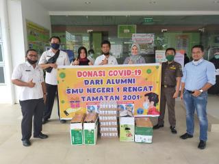 Alumni SMUN 1 Rengat 2001 Bantu Tenaga Medis RSUD Indrasari