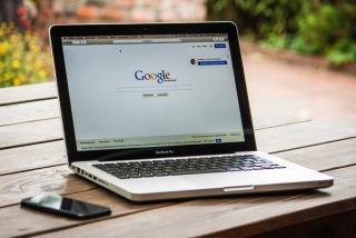 Gandeng google, Indosat beri layanan Telepon Gratis
