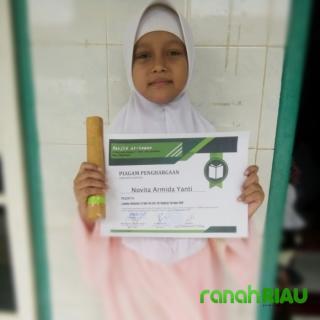 Hafal Quran, Putri Jurnalis RanahRiau Terima Penghargaan