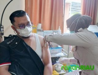 Lawyer Muda Asal Inhil Ajak Masyarakat Sukseskan Vaksinasi Covid-19