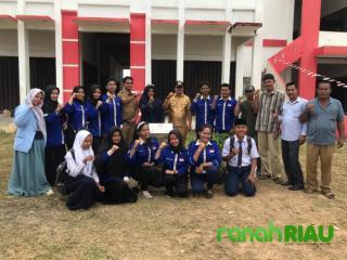 Aksi tanam pohon oleh Mahasiswa KKN Unri 2019