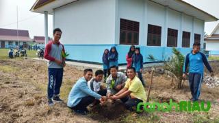 Program Penanaman pohon di hari Kemerdekaan