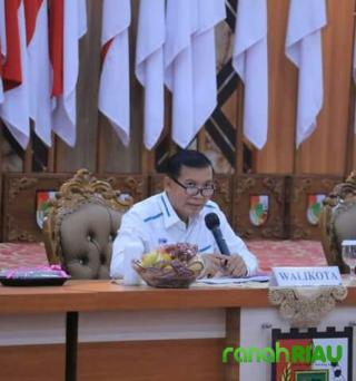 Wali Kota Pekanbaru bahas ulang regulasi pungutan parkir di toko ritel dan Swalayan