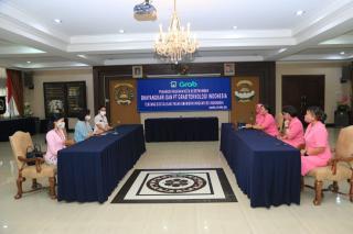 Peringati Hari Kartini, Bhayangkari dan PT Grab menandatangani MoU Digitalisasi UMKM se Indonesia
