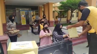 Tali Asih Polres Siak Bantu Masyarakat Yang Terdampak Covid-19