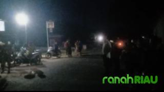Belum ada penyelesaian, Masyarakat Blokade Ruas Jalan Menuju PT Duta Palma Nusantara