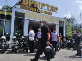 KPK Geledah Kantor Penanaman Modal dan PTSP Kota Dumai