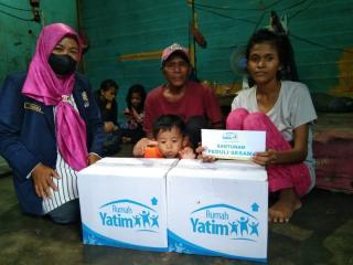 Berjuang Lawan TBC, Rumah Yatim Beri Bantuan Ibu ini Untuk Rawat Anaknya