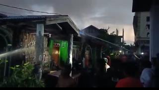 Menjelang Pagi, Beberapa Rumah Warga di Tembilahan Hulu Terbakar
