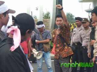 Sorot  pengadaan mobil dinas, Arwan: Pemerintah Aceh kangkangi hak rakyat