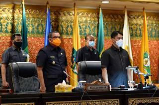 Qourum, Paripurna Pembacaan SK Pergantian Ketua DPRD Riau Berlangsung Khidmat