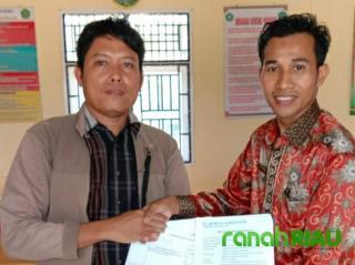 Ponpes Miftahul Khairiyah Terima 200 Zak Semen Dari Dua Perusahaan