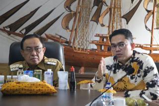 Bupati Wardan Ajak Senator Edwin Bermitra