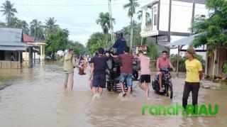 Banjir, Aktivitas Warga Lumpuh Total, Petani Tahun Ini Terancam Gagal Panen
