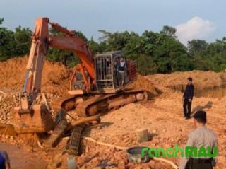 Kerap Sembunyi-sembunyi Dari Petugas, Pelaku PETI dan 1 Unit Excavator Diamankan Polisi