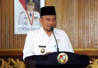 Ayat Cahyadi, menaruh harapan besar kepada direktur utama dan komisaris Bank Riau Kepri yang baru.