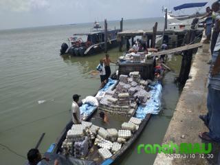 BC Bengkalis Mengamankan Dua Kapal Pompong Bermuatan Barang dari Malaysia