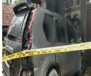 Mobil dan Rumah Ketua DPC BIDIK Terbakar, Polda Riau Diminta Tangkap Pelaku