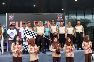 Kapolda Riau lepas peserta Lomba lari Fun Run di Kota Dumai