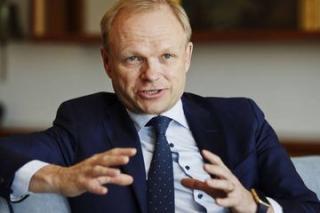 Bos Baru Nokia Hati-Hati terapkan Strategi Pasar