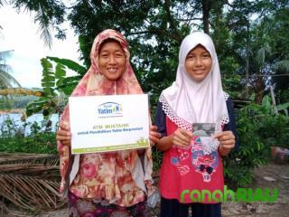 Bantuan Pendidikan untuk Laila, Anak Yatim Berprestasi di Pekanbaru Riau