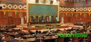 Resmi, Indra Gunawan, Eet Jadi Ketua DPRD Riau 2019-2024