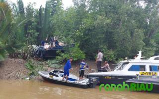 Speed Boat Hantu 6 X 200 PK Ditemukan Terdampar di Inhil, Diduga Berisi Barang Ilegal