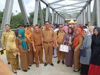 Jembatan Kasang Bangaswan Baru di resmikan Bupati Rokan hilir