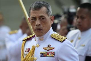 Facebook Blokir Grup Kritik Raja Thailand